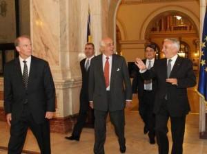 seful-grupului-bilderberg-nu-este-de-acord-cu-crearea-statelor-unite-europene.-grecia-trebuie-sa-ramana-in-zona-euro