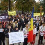 Ordinea fireasca a lucrurilor, Ortodoxia, a blocat in Basarabia o lege ce-i considera pe homosexuali minoritate discriminata. VIDEO: Pietrele vorbesc, cu ieromonah Savatie Bastovoi, despre propaganda homosexualilor