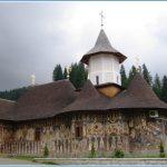 Episcopia Oradei se opune pelerinajelor la manastirea Petru Voda si la schitul Tuturor Sfintilor Romani, organizate de credinciosii din Bihor