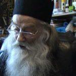 Părintele Justin Pârvu este alături de cei prigoniţi pentru atitudinea lor anti-cip