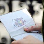 Un episcop din repub. Moldova lupta pentru drepturile celor pastoriti de Biserica, protestand fata de pasapoartele cu cip
