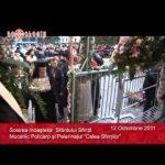 VIDEO: Scoaterea moastelor Sfintei Parascheva si sosirea moastelor Sfantului Policarp la Iasi