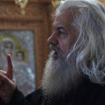 Prin reînhumarea Părintelui Calciu, ce-am câştigat şi ce-am pierdut? – articol de Părintele Stavrof. Constantin Catană – Sf. Mănăstire Văratec