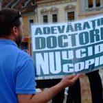 """Un medic trebuie """"să aducă viaţă, nu să o ia"""". Medicii de la Maternitatea din Iași refuză să mai facă avorturi"""