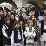 Un an de la înmormântare: Răzeșii Sfântului Părinte Justin intonează cântece patriotice pentru neamul românesc