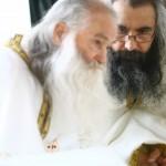 """Părintele Ioan Șismanian de la Petru Vodă: """"Părintele Justin cauteriza, mângâia, lumina, vindeca"""""""