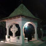 FOTO: Baldachinul de la mormântul Părintelui Justin