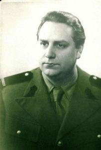 Mircea-Vulcanescu-in-uniforma-militara