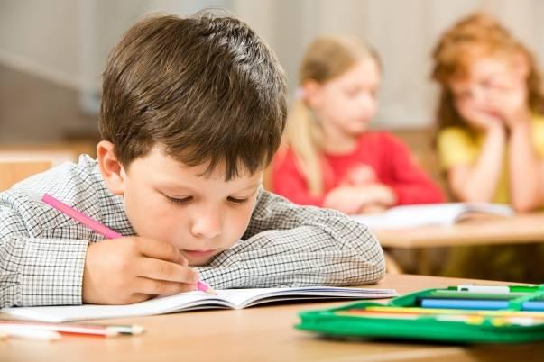 copil-la-scoala